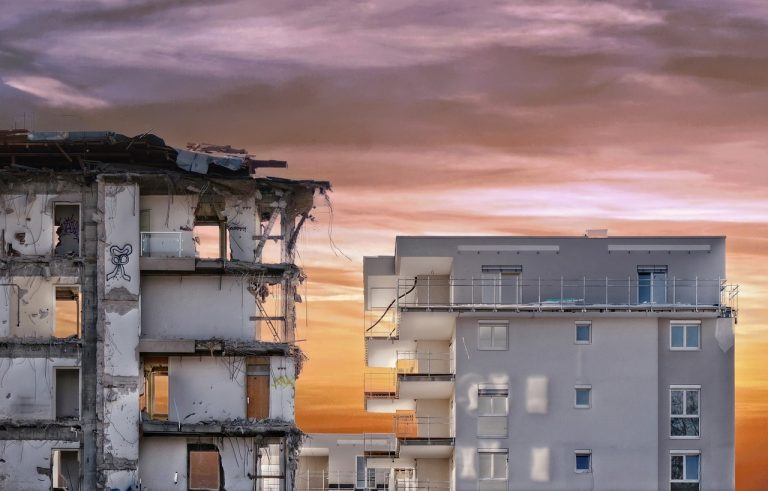 Задължителни мерки за безопасност при събаряне на сгради