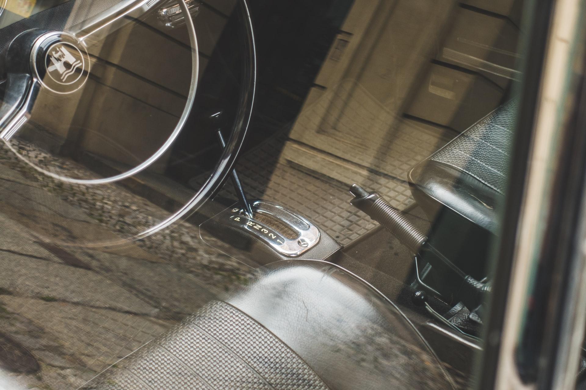 Жило за ръчна спирачка – важен компонент при паркинг спирачката на автомобила
